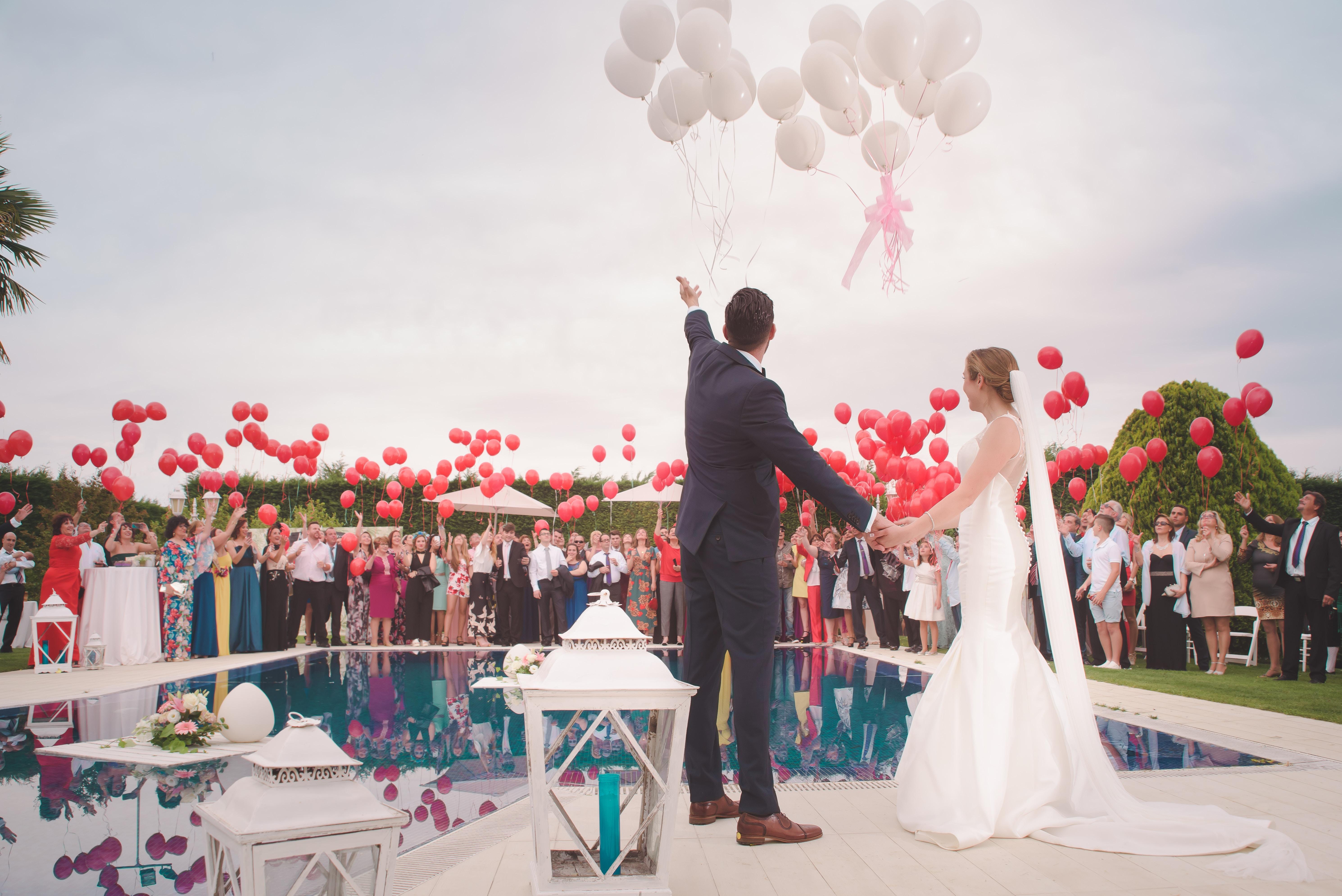 Como determinar a quantidade de convidados ausentes no casamento