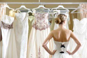 Quais as vantagens do aluguel de roupa para casamento ou formatura?